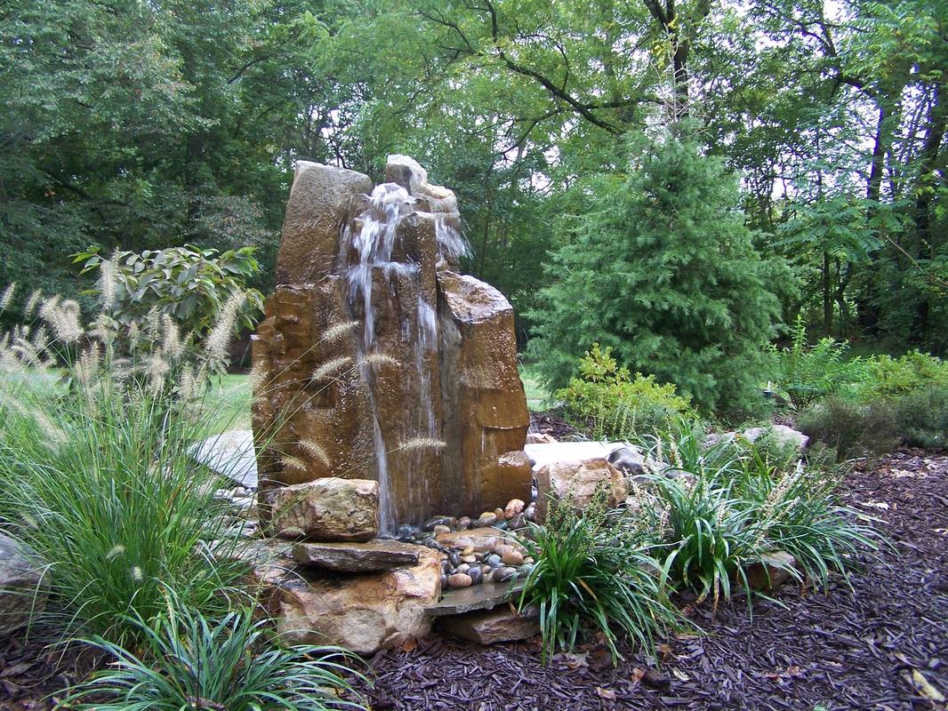 Water fountains virginia - North Carolina Basalt Boulder Fountain